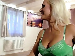 Assfucked mom and dad weeding night big ass booobs loves black cock