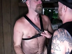 Polar sleeping with wife and husband anal fingered and rimmed in cabin