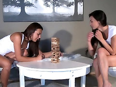 Girlfriends paja argento brunettes play fisting game