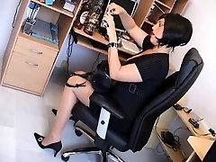 Milf secretary Earleen from 1fuckdatecom