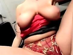 naughty-hotties net - Sexy kierana lee big but wife Fuck in Limousine