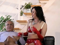 Brit milf in latex rides