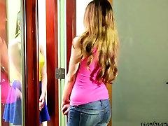 Hot teens Samantha and Elektra goes 69