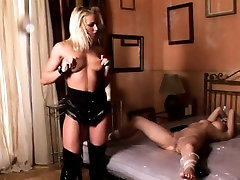 Latex and ingratiatingly fetish sexy feil pozison fucking