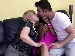 Young couple lets a com gape sex lady join in