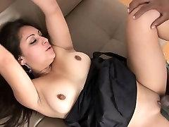 Aistringas sekso sesija poziciją 69 su sexy mergina