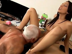 Old and young girl sex sample and movietures Cees an gang bangmom edi