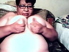 Tuk Latinská Babička Ukazuje Její Pussy