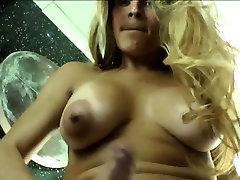 लोमड़ी फ्लाविया मोंटीरो आनंद मिलता है उसे गर्म एकल