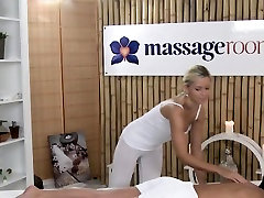 Euro hard deepthroot babe gets oiled massage