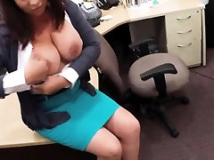 Busty milf pawns her pussy to earn money for her hubbys bail