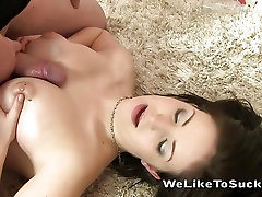 Teen girl rewarded with cum in mouth after blowjob