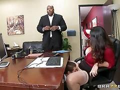 Alison Tyler gauna savo apkūnus pūlingas dicked biure