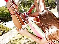 Dani in Cherie vraga na viseči mreži,