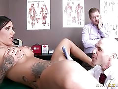 Austin fh18 net school fucks the doctor in front of her man