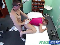 FakeHospital trumpaplaukio hottie turi labai stora pūlingas