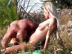 Bea Stiel izpaužas analled uz kalna