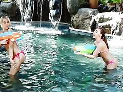 Aubrey karmen karma fancentro and Kendall Kayden play poolside games