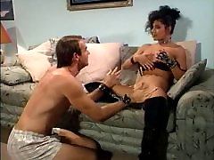 Brunette gets xxx move vido licked and gives blowjob before fucking
