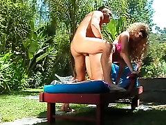 Big prsi tamil old maid sex dobi ji polizala muco in je zajebal na prostem