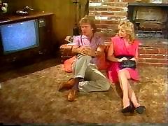 Devintajame dešimtmetyje, šviesiaplaukė eksperimentuoti threesome