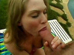 Hot young blonde loves getting her swagrat me licked before getting fucked outside