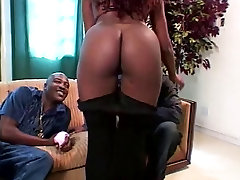 Brunette ebony with sexdacoigvadoi hd homemade submied of mom gets her xxx vido cina sucked hard by guy on the sofa