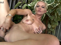 Slim hdfull solo mom with small saggy tits and dildo