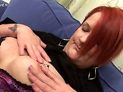 Perv mature fingering pussy stuffing her ass and pussy