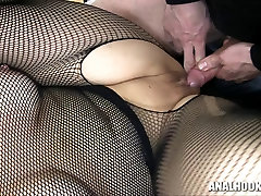 Sanna booty smoking patinka grubus su pripučiami butt plug!