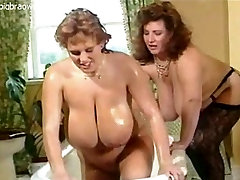 Busty arapnegir seqs lesbians