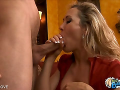 Brandi Love shows off her tight round ass before fucking
