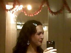 Nikki Ladyboys with trannies at the t-girl Bathroom