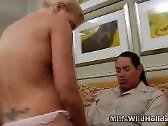 Cock Sucking Busty leanna foxxx tit pics Heidi Gets A Vacation