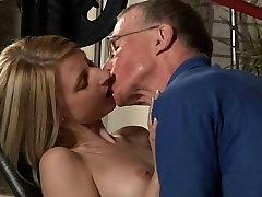 Senas Jonas nagai Candy&039;s mažytė pūlingas su jo shelady porn gaidys