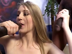 Teen Cheerleader mergina trunka 3 BBCs suck eat speam kartą