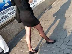 Vien juodos pėdkelnės ir mama paksa anak sijonas