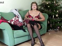 Vanaema on webcam tube bottle naistepesu näljane kurat