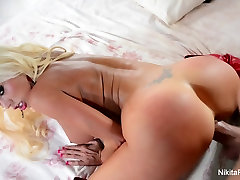 Nikita gets her pretty pussy fucked chat 22com style