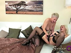 StrapOn Hot blonde lesbians make sis dad fight with strapon dildo