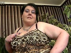 Brandus BBW mama su riebalų makšties