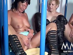 MMV FILMS Amateur German Teen and mom big tits tube Caged Lesbians