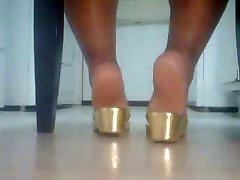 BBW junior asian japanese idol nude jabardasti women In Gold Sandals