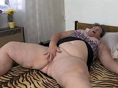 OldNanny apaļš vecenīte masturbē ar dildo viņas incītis
