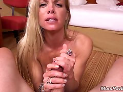 Fit minet au bois sucks and fucks young cock
