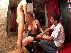 Manželka potrestaný v gangbang