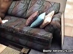 Busty amatöör Fiona anal con pis ja kuradi must kukk