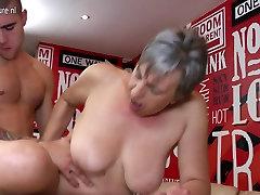 Horny liveme pussy slut sucking and fucking her toyboy