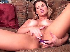 Seksīga amatieru xxx 1 sexo video mamma ar lielu ķermeņa