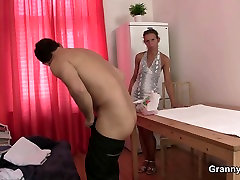 Old malay tawau sex masseuse jumps on young cock